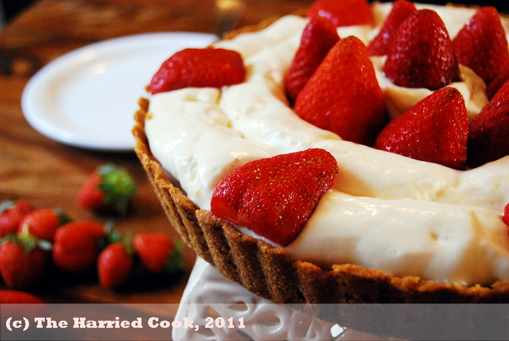 strawberry cream mousse pie using pate à bombe egg yolk recipe