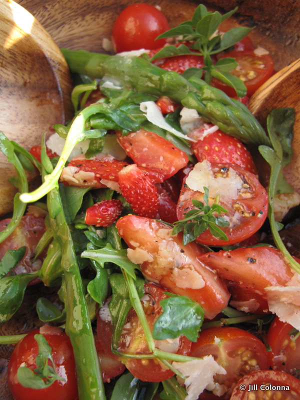 Argula rocket, tomato and wild strawberry salad recipe