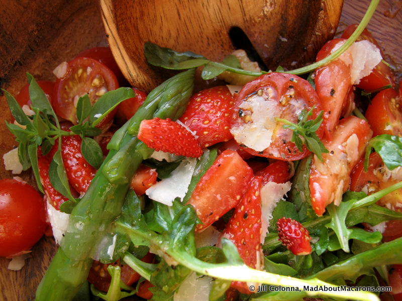 strawberry-tomato-rocket-salad