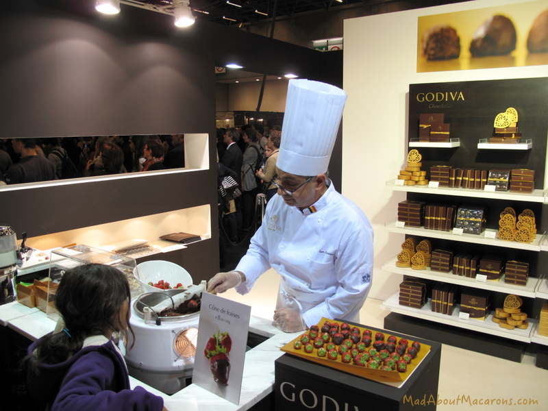 Godiva-chocolate-strawberries-Paris