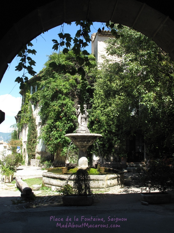 pretty fountain in the village of Saignon, Provence, France