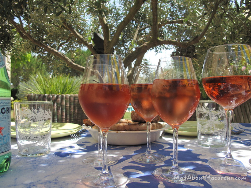rose wine with ice cubes in Provence