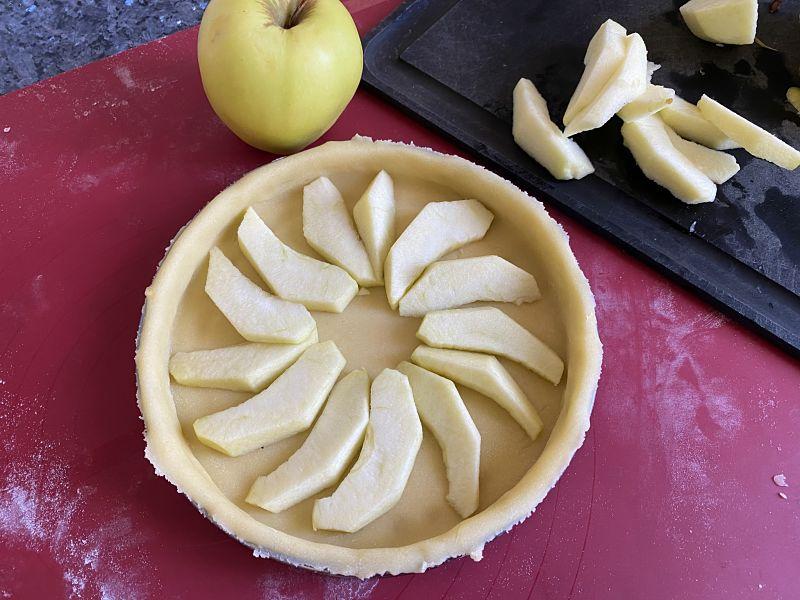 How To Make Apple Custard Tart