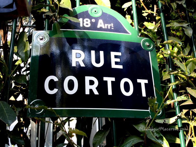 Rue Cortot Montmartre Paris