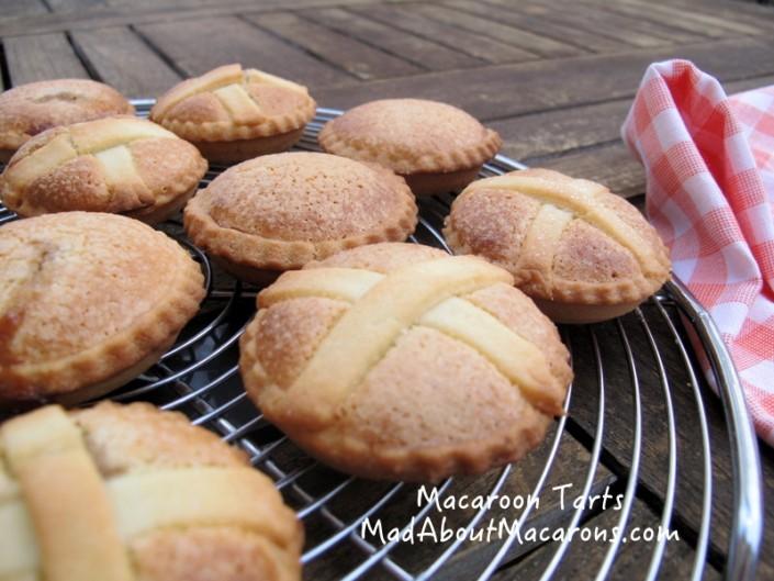Macaroon raspberry tarts
