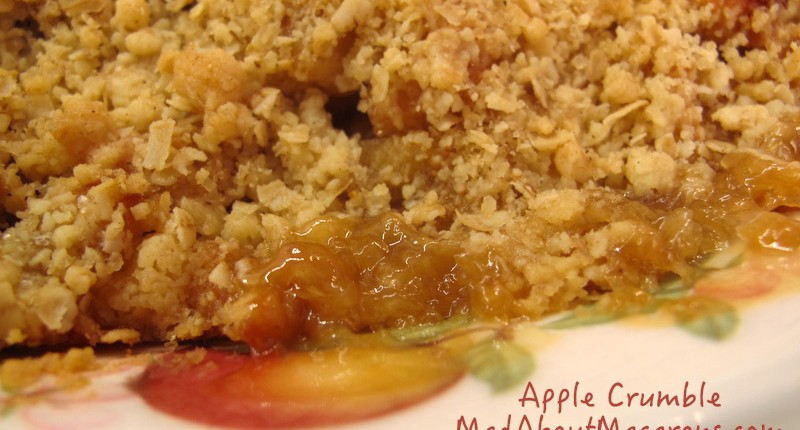 Apple oat crumble French style