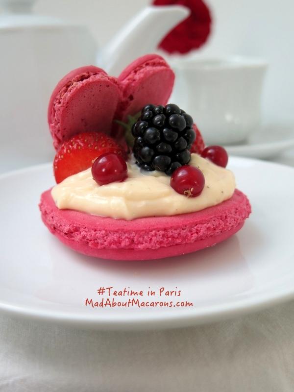 Valentine macaron dessert teatime in Paris