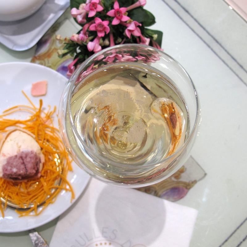 Champagne Teatime Bulles de Paris
