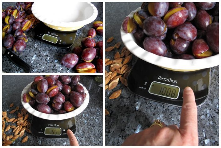 how to make spiced plum jam using scales