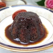 sticky toffee apple pudding