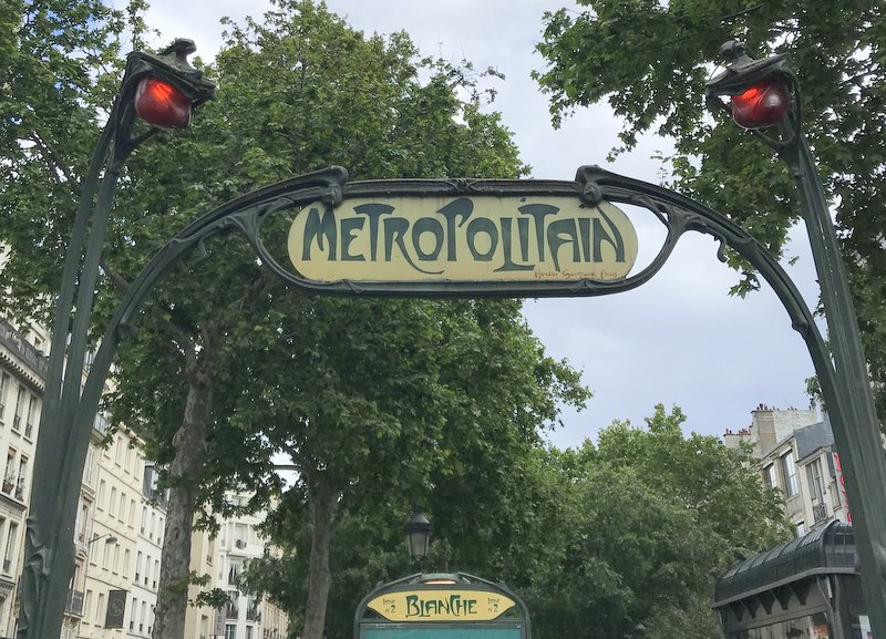 Montmartre walk from metro Blanche