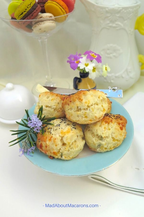 perfect-fluffy-cheese-scones