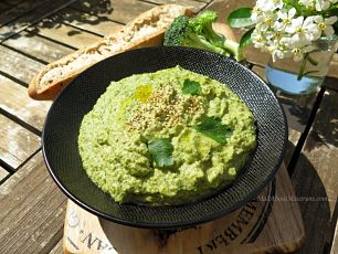 broccoli-hummus