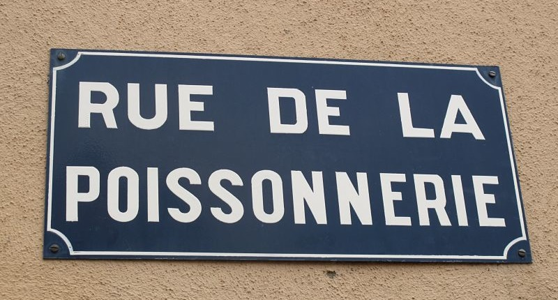 rue de la poissonnerie french sign
